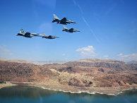 Американские и иорданские истребители на совместных учениях на Мертвом море