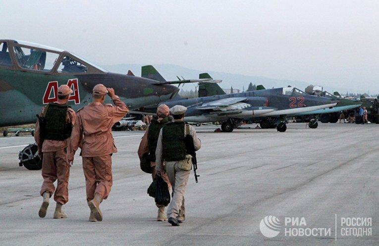 Технический персонал в аэропорту «Хмеймим» в Сирии