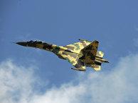 Реактивный истребитель Су-35
