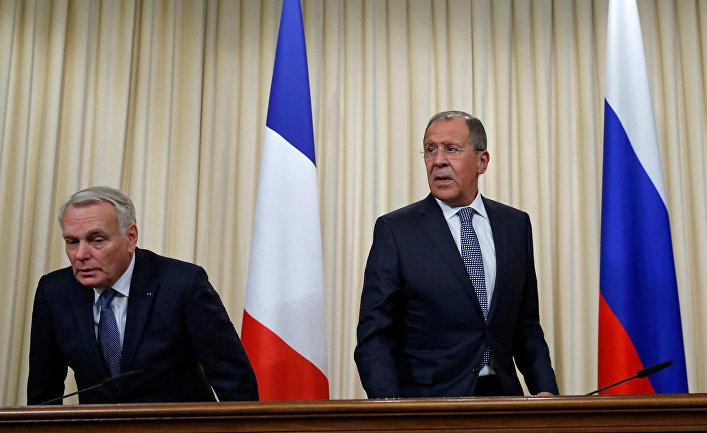 Министр иностранных дел России Сергей Лавров и министр иностранных дел Франции Жан-Марк Эйро