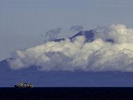 Действующий вулкан Тятя на острове Кунашир Большой Курильской гряды