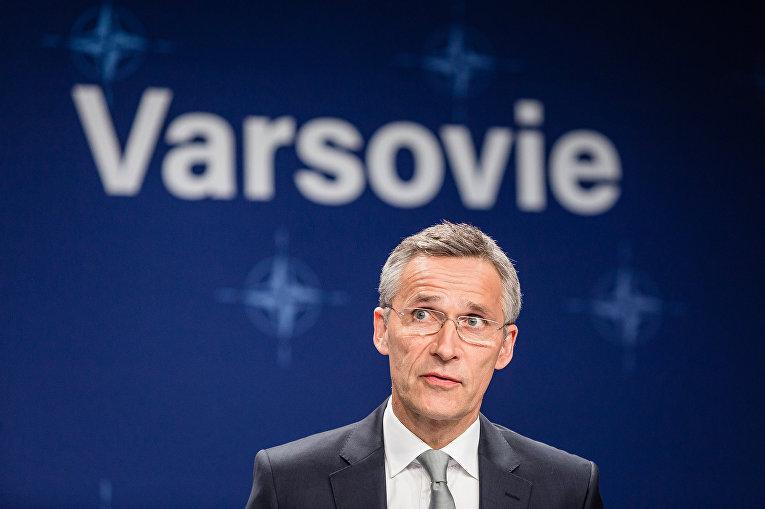 Генеральный секретарь НАТО Йенс Столтенберг в ходе второго дня саммита НАТО
