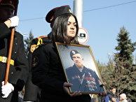 Военнослужащие на церемонии прощания с командиром ополчения ДНР Арсеном Павловым («Моторола»)