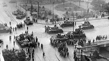 Советские танки в Будапеште