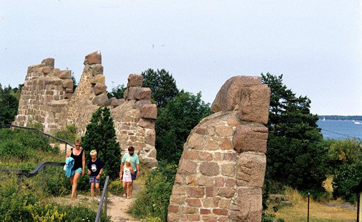 Руины древней крепости Бомарсунд на Аландских островах