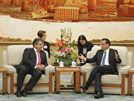 Министр экономики и энергетики ФРГ Зигмар Габриэль и премьер-министр КНР Ли Кэцян