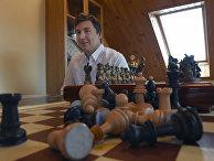 Российский гроссмейстер Сергей Карякин в своем доме в Подмосковье