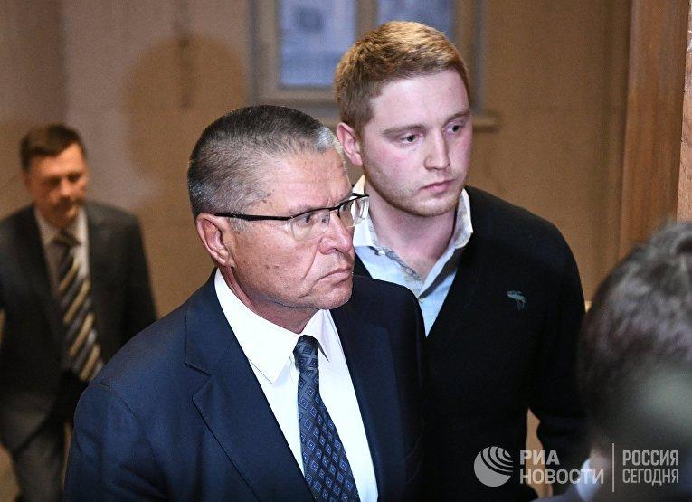 Министр экономического развития РФ Алексей Улюкаев в здании Басманного суда города Москвы