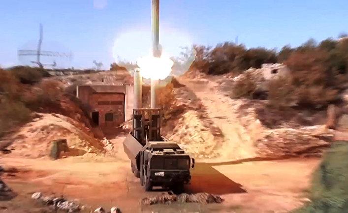 Пуск крылатой ракеты «Оникс» с БРК «Бастион» по объектам террористов в Сирии