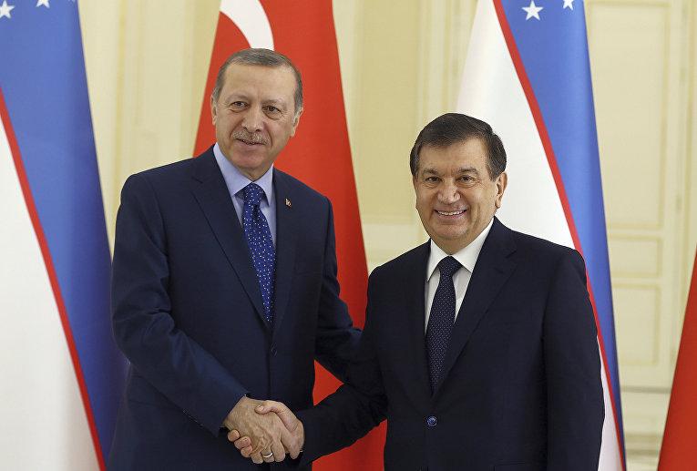 Президент Турции Реджеп Тайип Эрдоган и президент Узбекистана Шавкат Мирзиеев