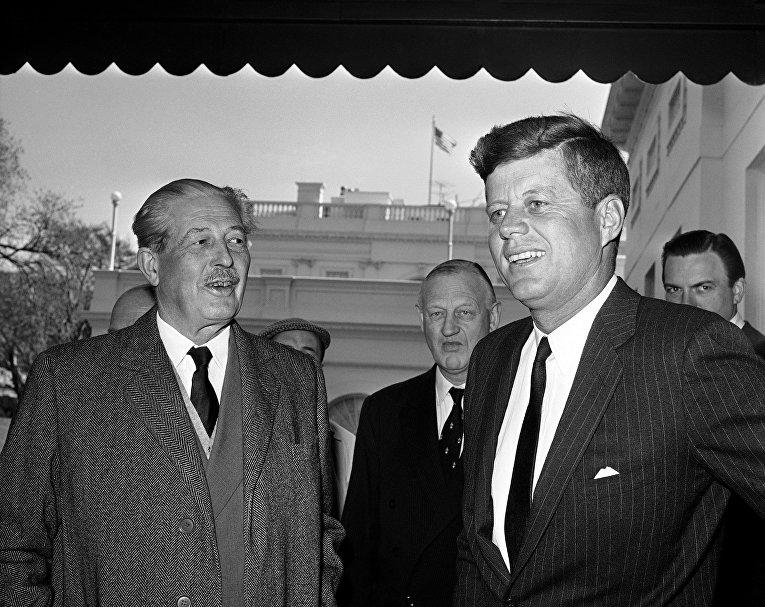 Премьер-министр Великобритании Гарольд Макмиллан и президент США Джон Кеннеди