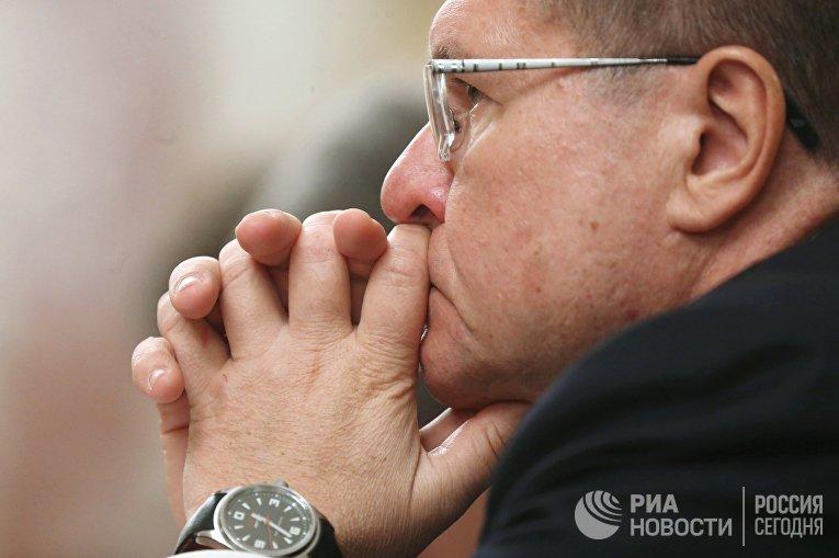 Министр экономического развития России Алексей Улюкаев на заседании кабинета министров РФ в Доме правительства РФ.