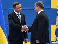 Президент Польши Анджей Дуда с президентом Украины Петром Порошенко во время парада в честь Дня Независимости Украины