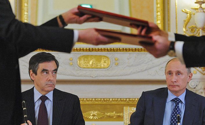 Экс-премьер Франции назвал Россию великой страной изаявил онеобходимости диалога