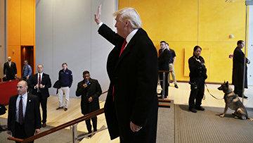 Избранный президент США Дональд Трамп в фойе Нью-Йорк-Таймс-билдинг