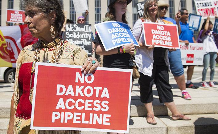 Акция протеста против строительства нефтепровода «Дакота Эксес»