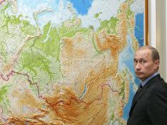 Президент России Владимир Путин в своем рабочем кабинете в Ново-Огарево.