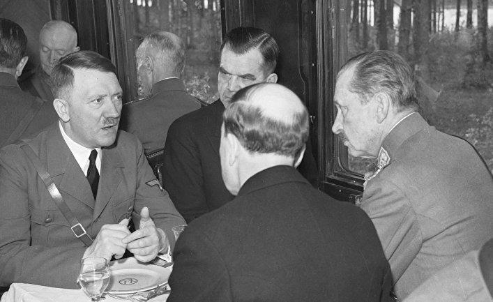 Адольф Гитлер и Густав Маннергейм