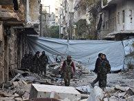 Сирийские правительственные войска в районе Аль-Сакхоур в Алеппо