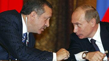Президент России Владимир Путин и премьер-министр Турции Реджеп Тайип Эрдоган во время встречи с турецкими бизнесменами в Москве