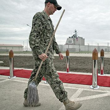 Подготовка к церемонии открытия американского комплекса ПРО Aegis Ashore на румынской военной базе в Девеселу