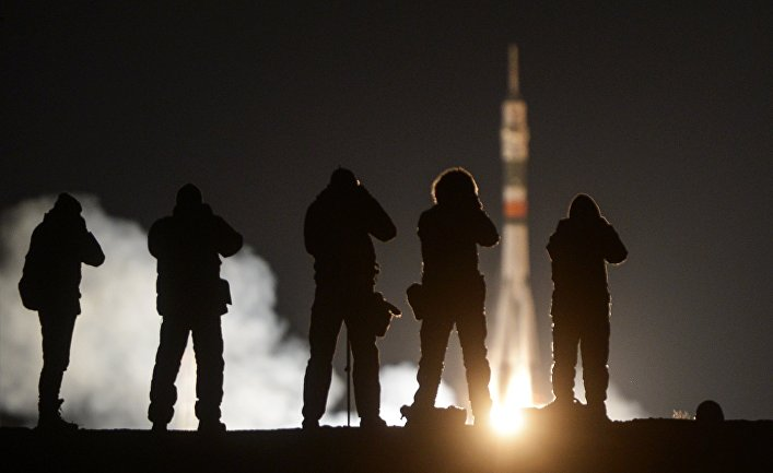 Пуск ракеты-носителя «Союз-ФГ» с пилотируемым кораблем «Союз МС-03» с космодрома «Байконур»
