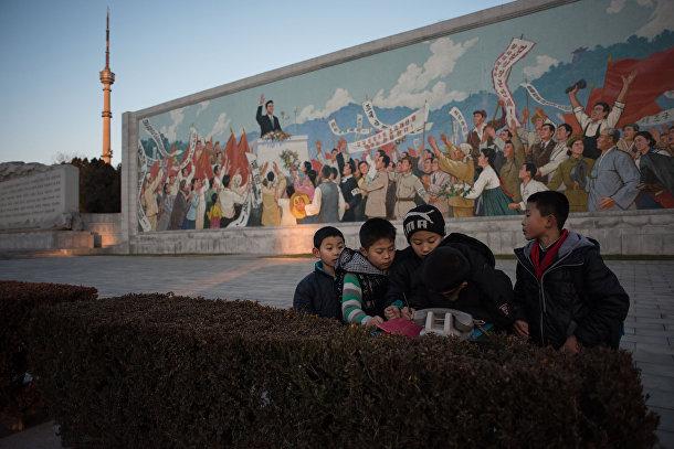 Дети в Пхеньяне, КНДР