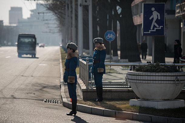 Сотрудницы дорожной инспекции в Пхеньяне