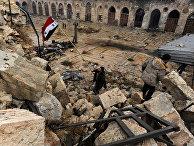 Сирийские военнослужащие в освобожденном квартале Алеппо. 13 декабря 2016