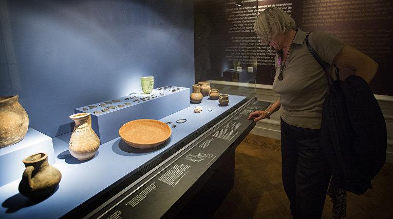 Экспонаты на выставке «Крым: золото и секреты Черного моря» в Амстердаме
