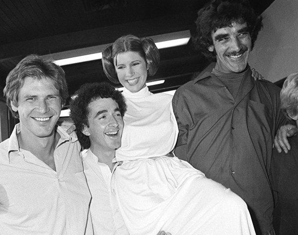 Актеры из киносаги «Звездные войны»: Харрисон Форд, Энтони Дэниелс, Кэрри Фишер и Питер Мэйхью. Октябрь 1978 года.