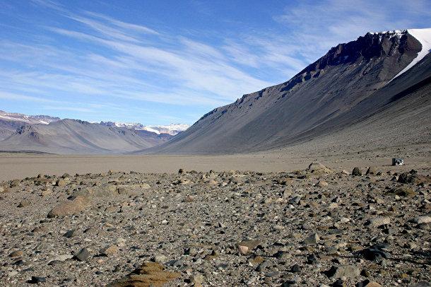 Антарктический оазис в долине Мак-Мёрдо, Антарктика