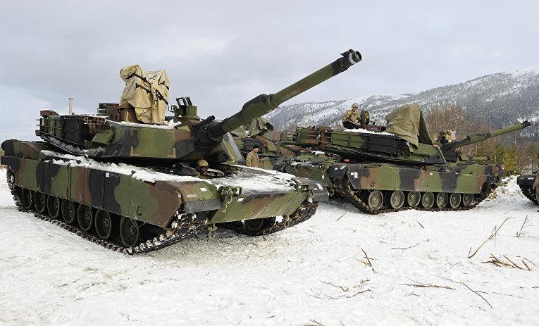 Американские танки участвуют в военных учениях Cold Response 2016 в Норвегии