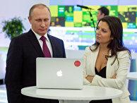 Президент России Владимир Путин и главный редактор телеканала RT Маргарита Симоньян