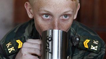 Ученик кадетской школы имени генерала Ермолова во время двухдневных полевых учений
