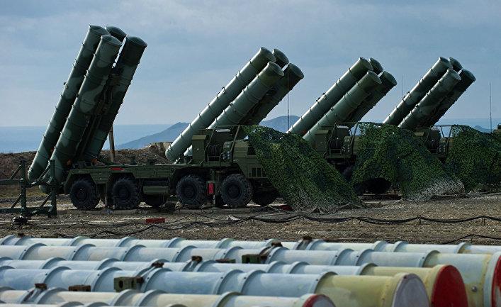 Зенитный ракетный комплекс С-400 «Триумф» полка противовоздушной обороны в Феодосии