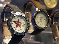 Часы - экспонаты выставки «Московский часовой салон-2003»