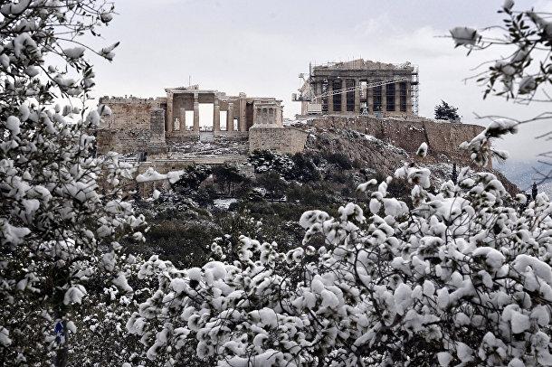 Заснеженный Акрополь в Афинах