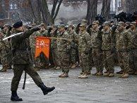 Солдаты армий США и Польши