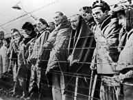 Узники концентрационного лагеря Освенцим, освобожденные войсками Красной армии в январе 1945 года