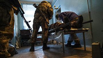 Раненый украинский солдат в госпитале в Авдеевке