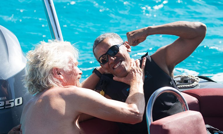 Экс-президент США Барак Обама занимается кайтсерфингом
