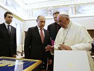 Владимир Путин и папа Франциск во время встречи в Ватикане