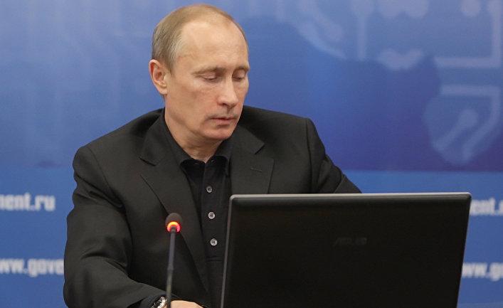 Трамп «лишь чуть-чуть знает» В. Путина — Советник президента США