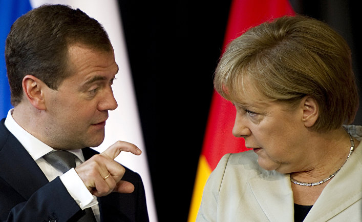 Президент ФР Дмитрий Медведев и канцлер ФРГ Ангела Меркель, архивное фото