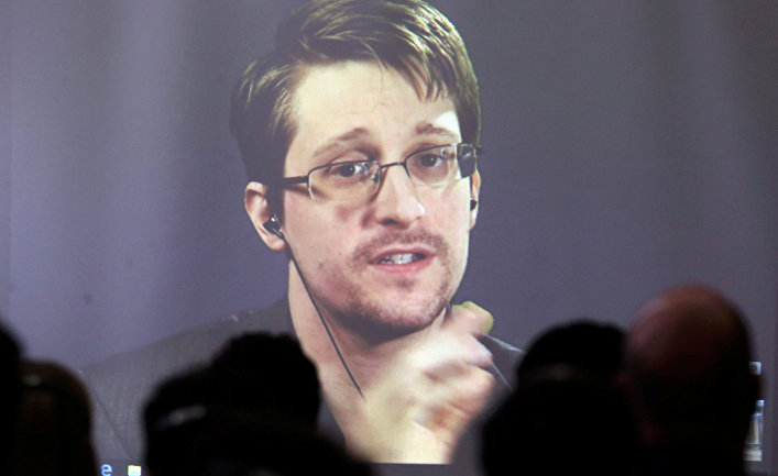 Песков: РФ необсуждает сСША тему Сноудена