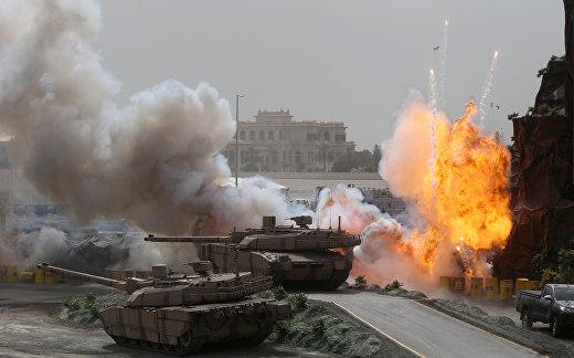 Военное шоу на церемонии открытия Международной выставки вооружения IDEX 2017 в Абу-Даби
