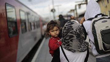 Беженцы на железнодорожной станции в Пассау, Германия