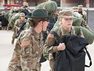Прибытие призывников на военную базу