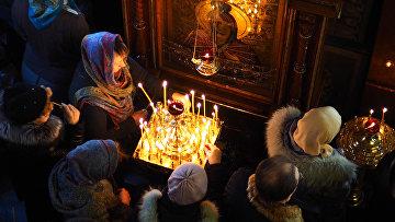Прихожане в храме святого пророка Илии в Краснодаре